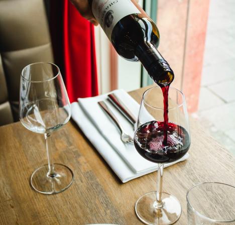 wijn in glas
